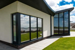 Aluminium Glass to Ground Bay Window